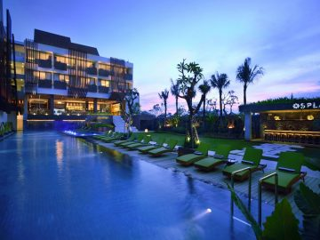 Four-Points-Bali-Seminyak-Swimming-Pool