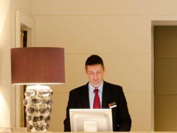 hotel_reception-08