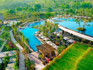 Bali's 12 'Dreamiest' Swimming Pools