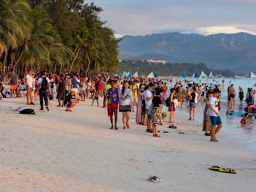 Boracay to reopen next month, but rehabilitation not in place
